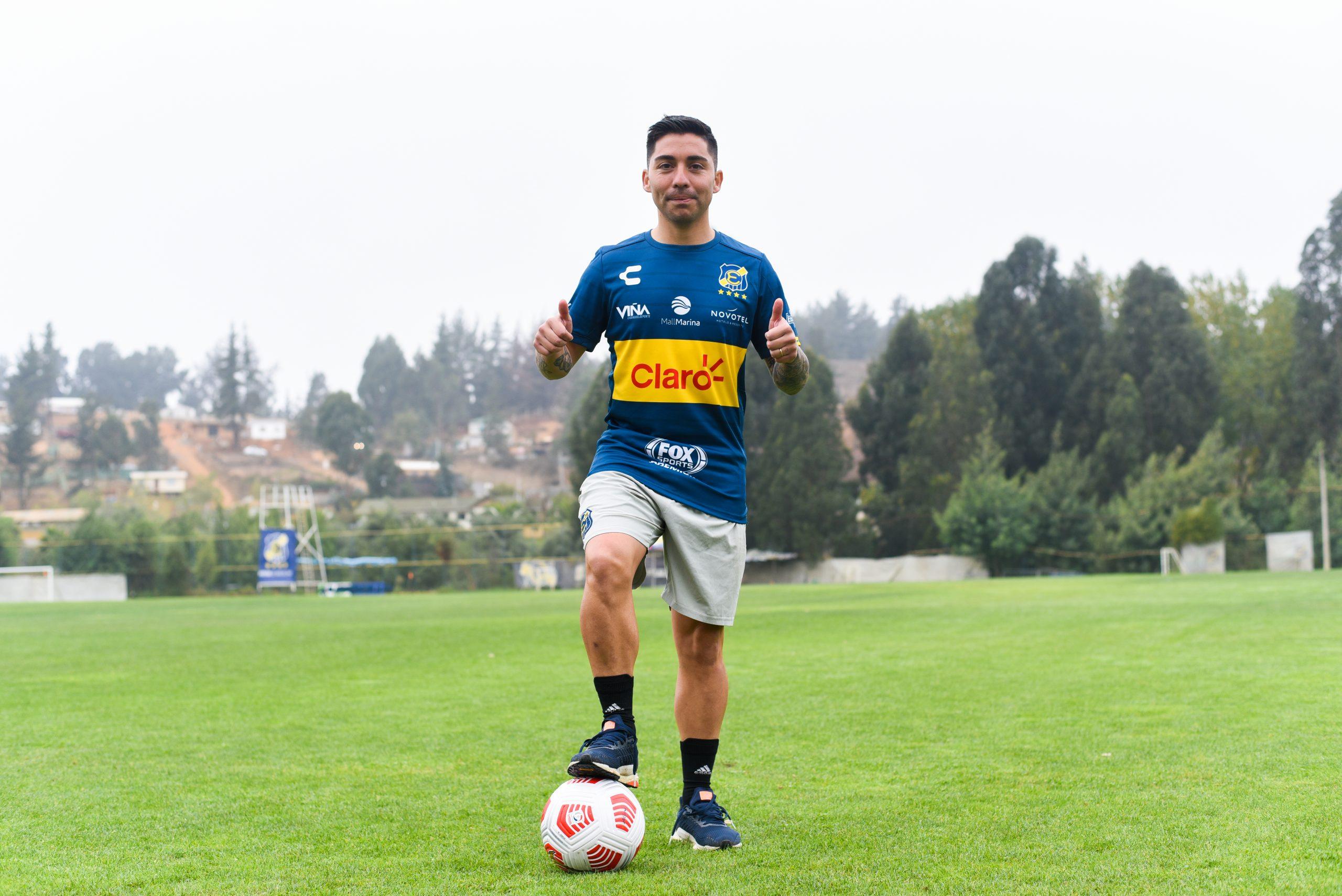 Everton de Viña del Mar presenta oficialmente a César Valenzuela como el último refuerzo de la temporada